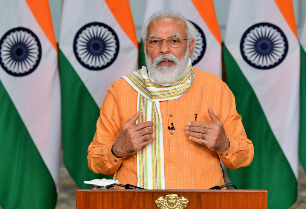 प्रधानमंत्री ने आज रवाना की आठ ट्रेन, कई परियोजनाओं का किया उद्घाटन