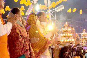 मुख्यमंत्री शिवराज सिंह चौहान ने की माँ नर्मदा की आरती