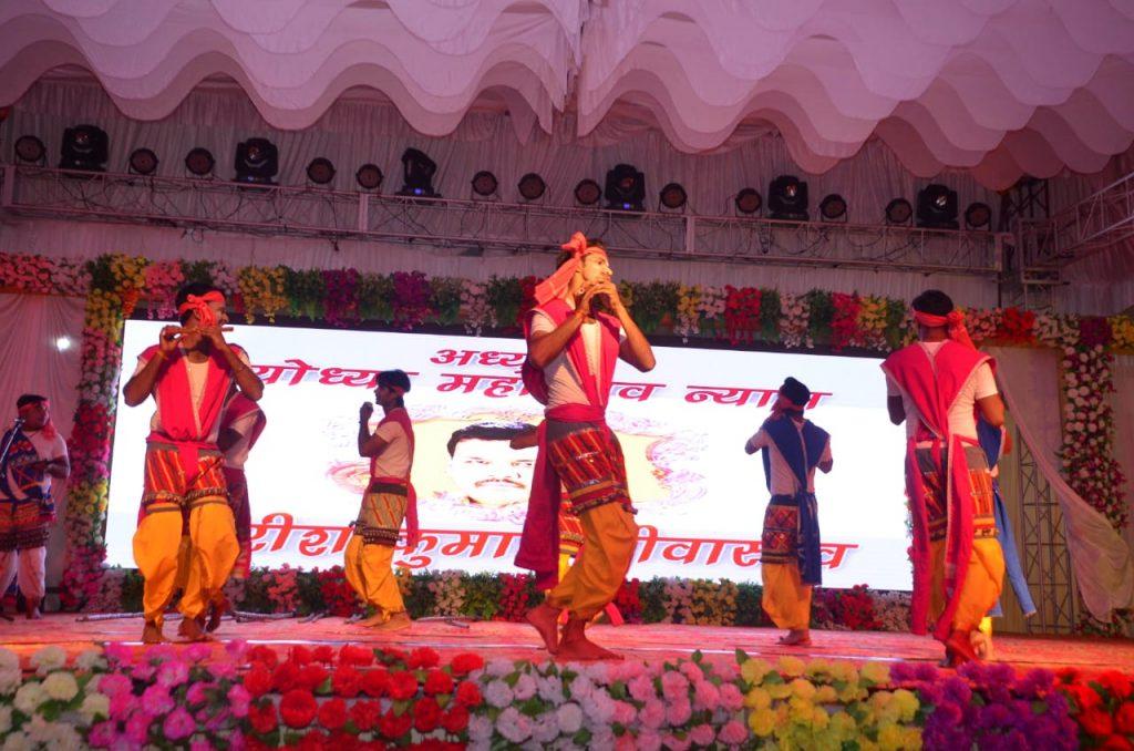 श्रीरामकला गांव को देखने अयोध्या महोत्सव में उमड़ी भीड़ , शनिवार को होगा कवि सम्मेलन