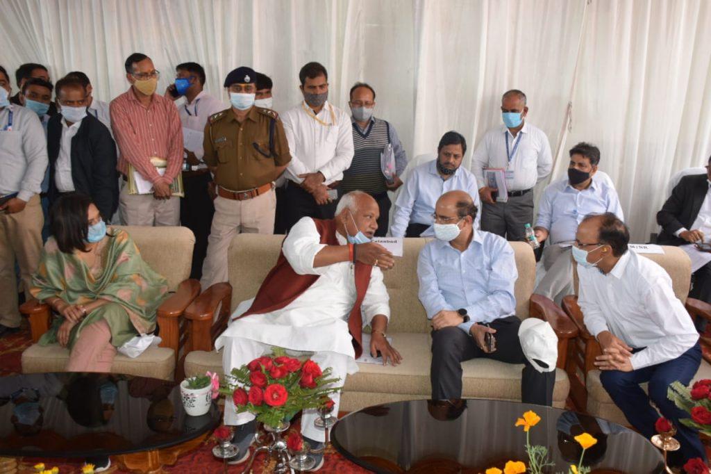 सांसद लल्लू सिंह ने महाप्रबन्धक उत्तर रेलवे आशुतोष गंगल के साथ अयोध्या में रेल सुविधाओं के विकास , परियोजनाओं की प्रगति पर की चर्चा