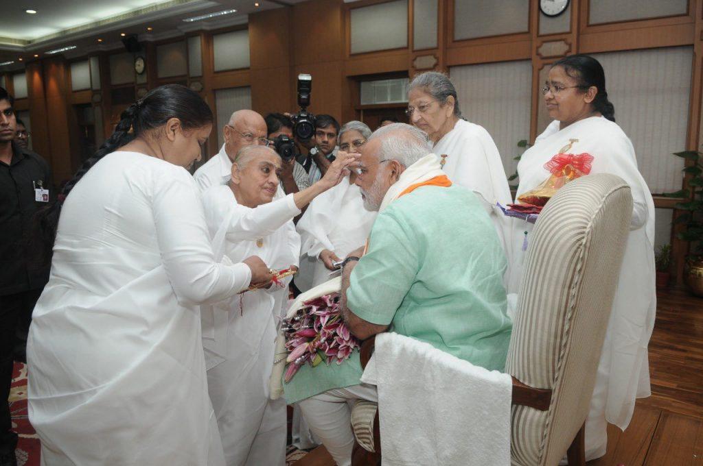 प्रधानमंत्री ने राजयोगिनी दादी हृदय मोहिनी जी के निधन पर शोक व्यक्त किया